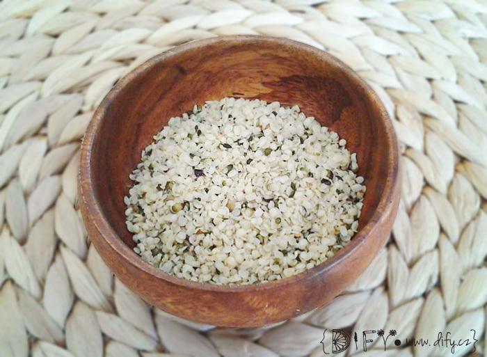 Loupané konopné semínko