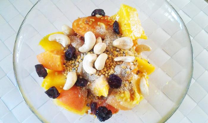 Ovocný salát z meruněk a manga