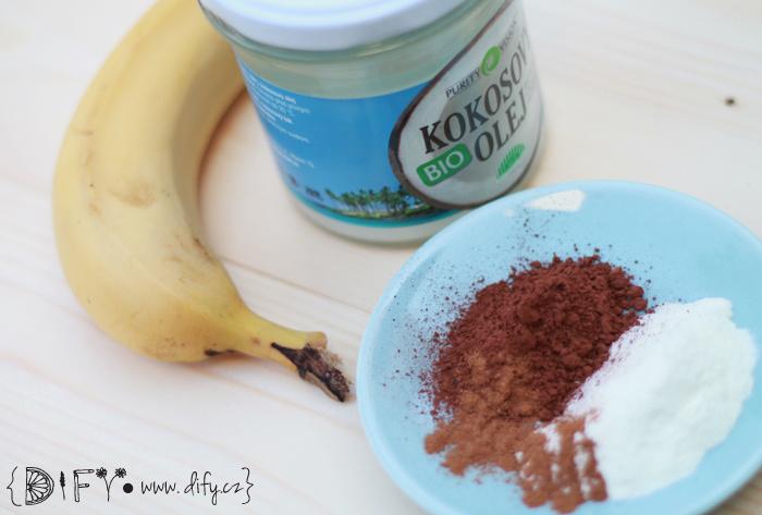 Hubený banánovo-kakaový koktejl se syrovátkou - suroviny