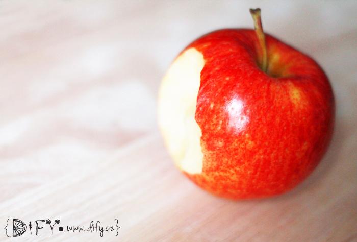 Jablko čistí zuby? Ani náhodou!
