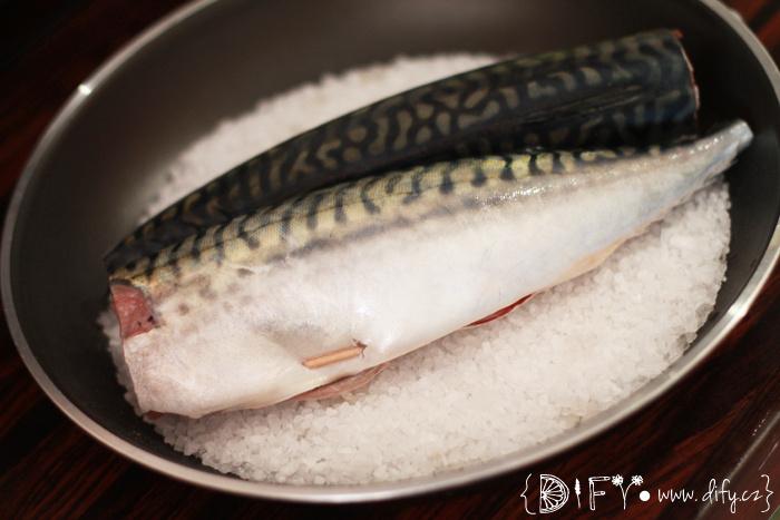 Ryba pečená v soli - příprava solné krusty