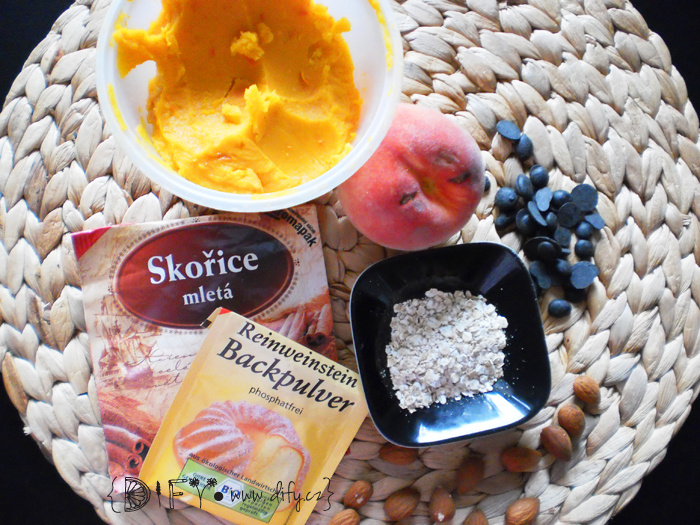 Broskvovo-skořicový dýňový dortík - recept