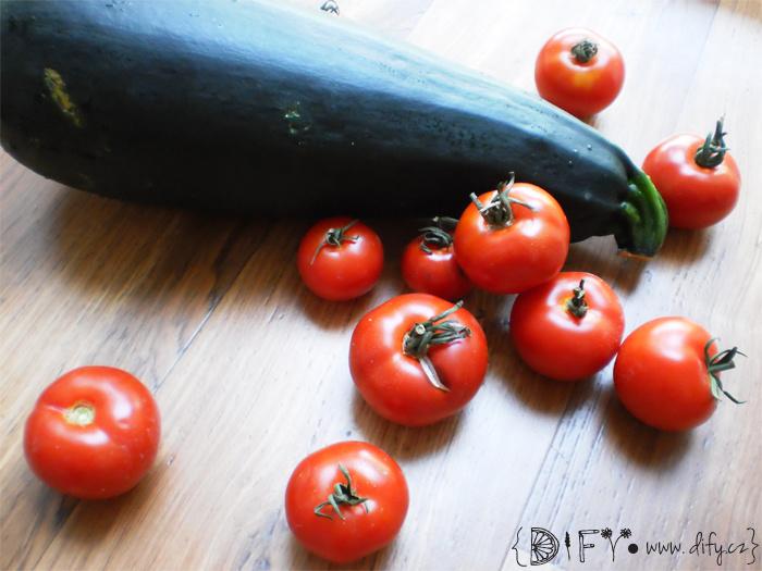 Cuketa a rajčátka od farmáře
