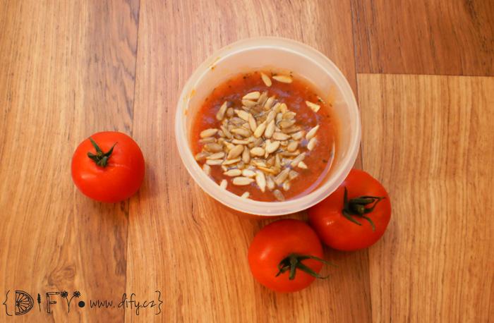 Cuketovo-tomatová polévka