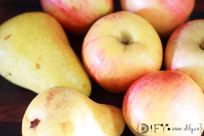 Domácí jablečno-hruškové pyré s chia - recept