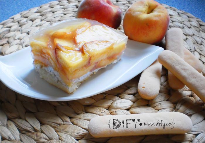 Zdravý piškotový dort s ovocem a agarem