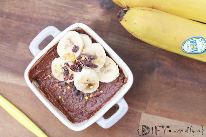 Zdravý avokádovo banánový čokoládový dezert