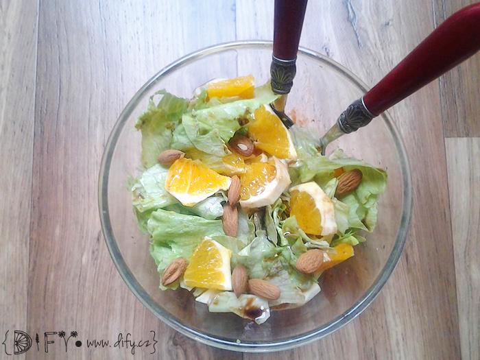 Zelený salátek s pomerančem