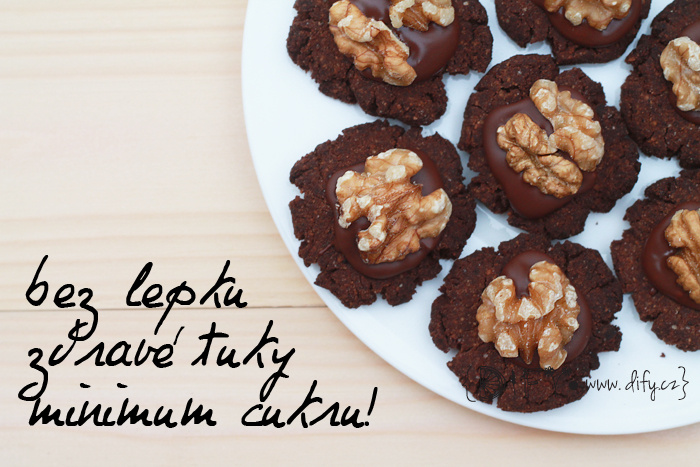 Bezlepkové kakaové cukroví skoro bez cukru