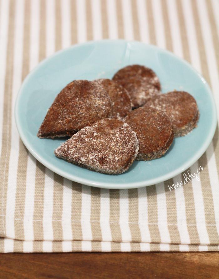 Dokonale rozsýpací kakaové cukroví