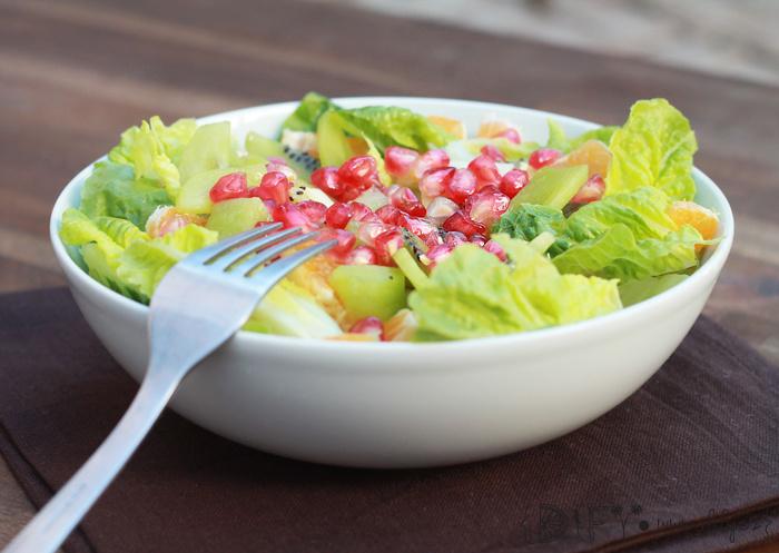 Sladký salát s granátovým jablkem