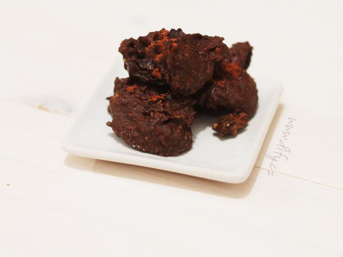 Čokoládovo mandlový bonbon s sherry rozinkou