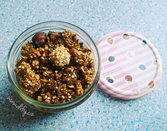 Pečená čokoládovo kokosová granola
