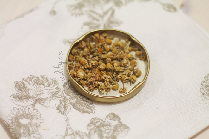 Sušený heřmánkový květ