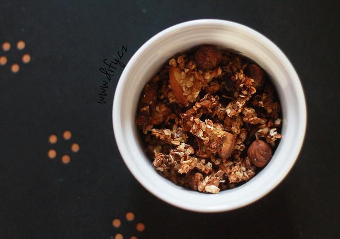 Jednoduchá dietní granola