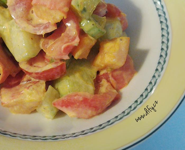Salát s pečenou dýní a paprikami