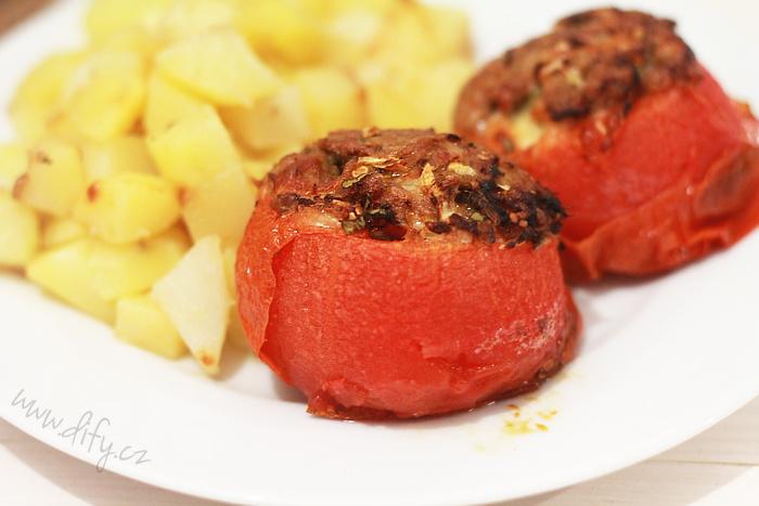 Zapečená rajčata plněná masovou směsí