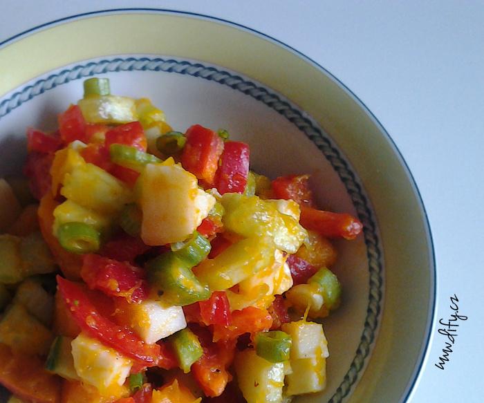 Zimní barevný dýňový salát se sýrem