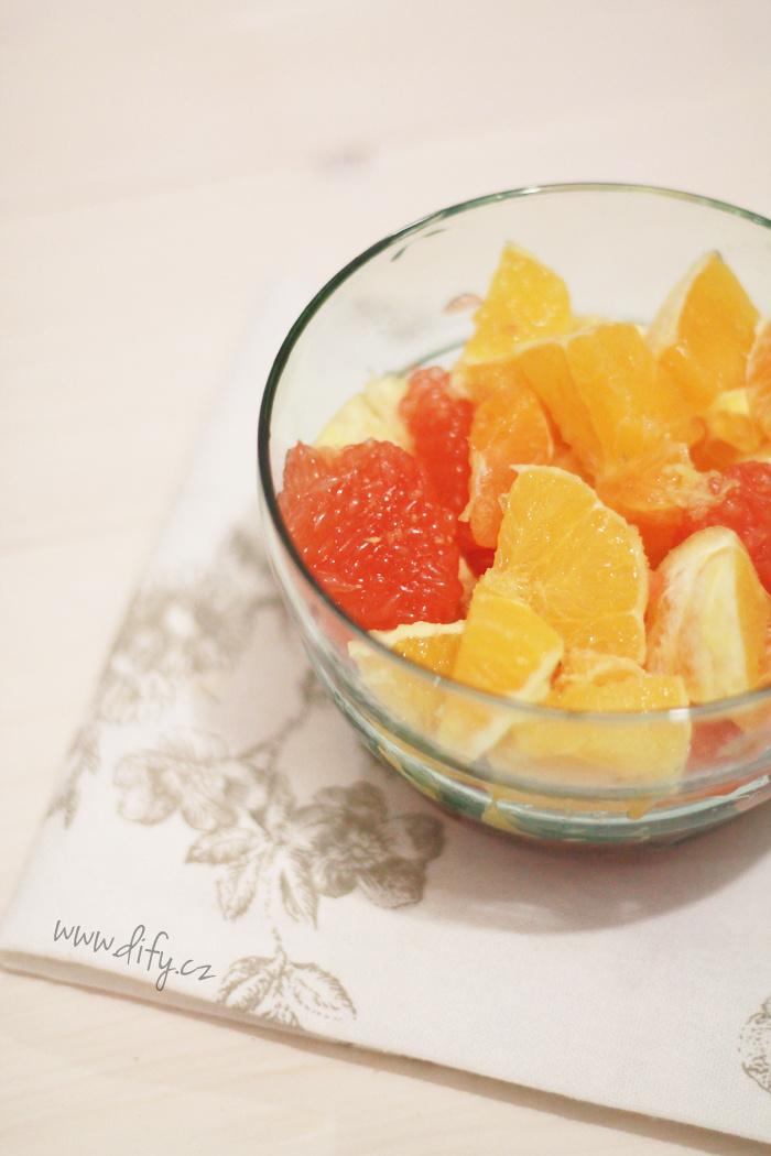 Citrusový salát z medovo zázvorovou zálivkou