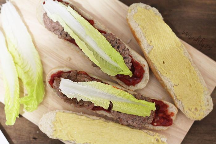 Zdravější domácí hamburger do domácího rohlíku
