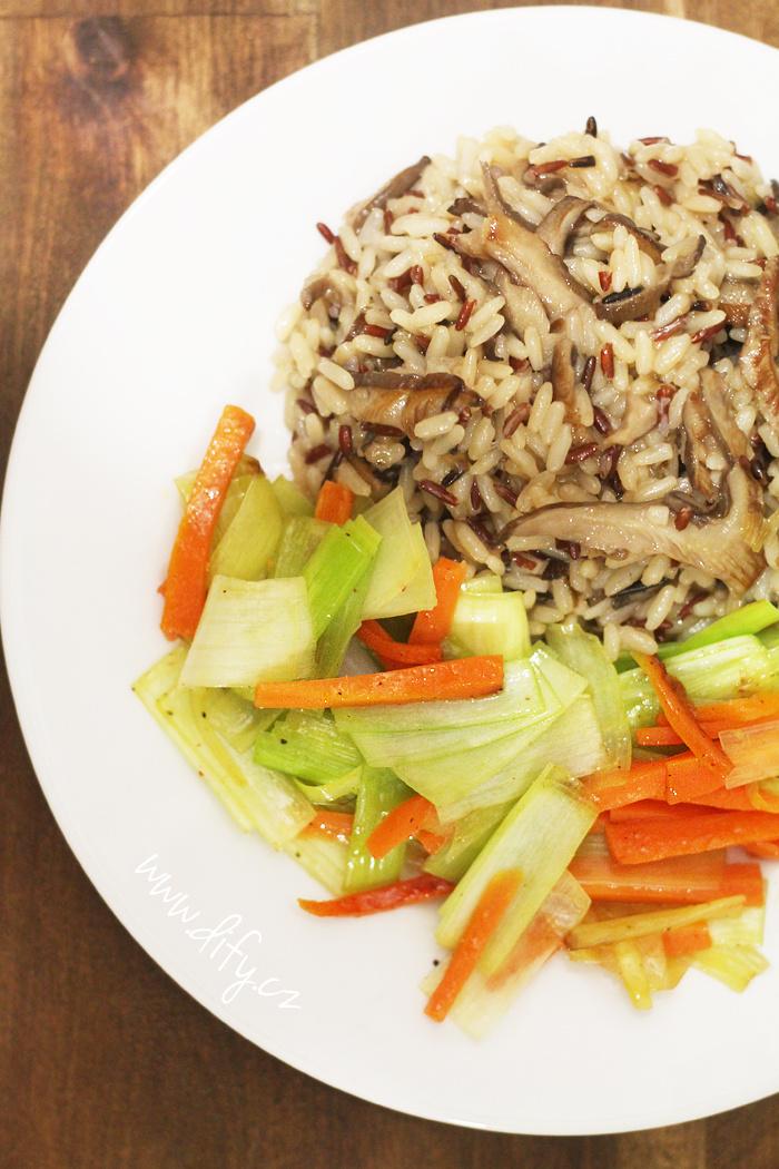 Houbová rýže se zeleninou