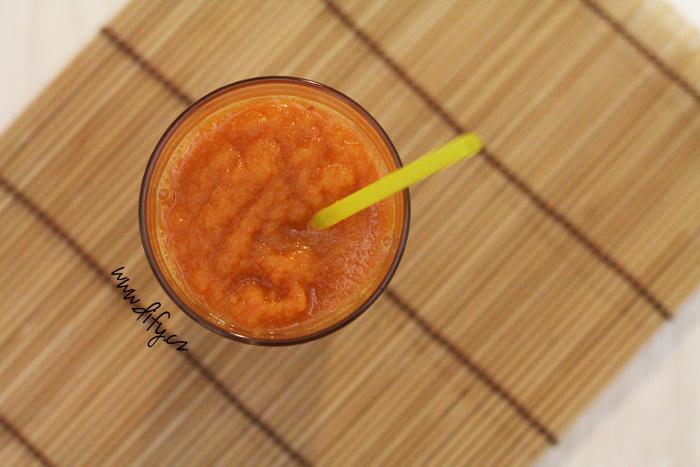 Mrkvovo jablečný smoothie