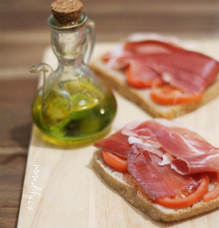 Španělský chleba s rajčetem
