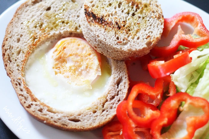 Vejce pečené v topince