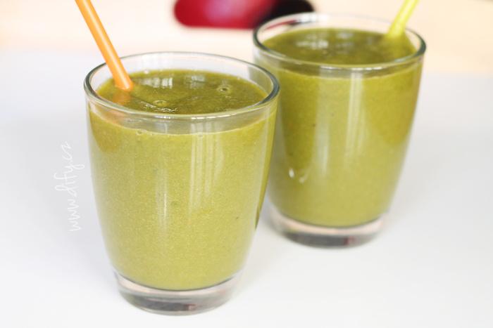 Jednoduché zelené špenátové smoothie