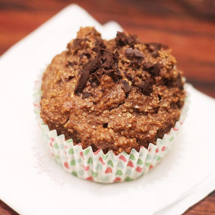 Celozrnný muffin s banánem a kakaem