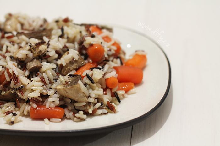 Rýžový salát s žampiony a baby karotkou