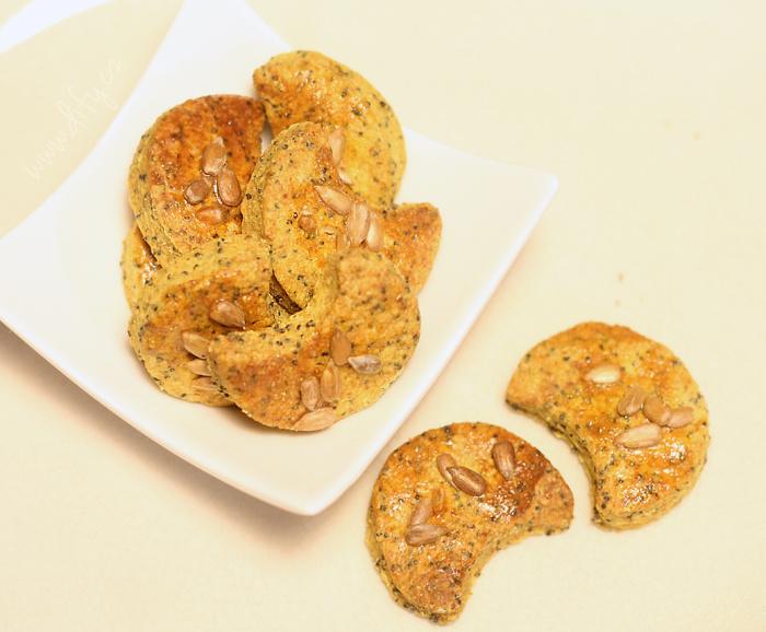 Domácí celozrnné makové sušenky s kurkumou