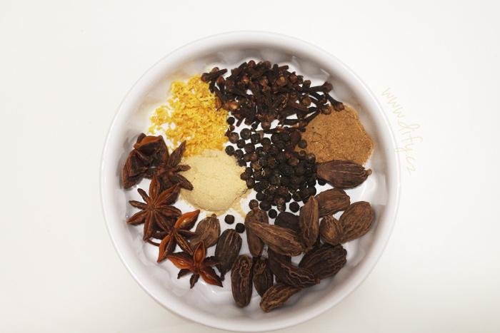 Indická směs koření masala chai