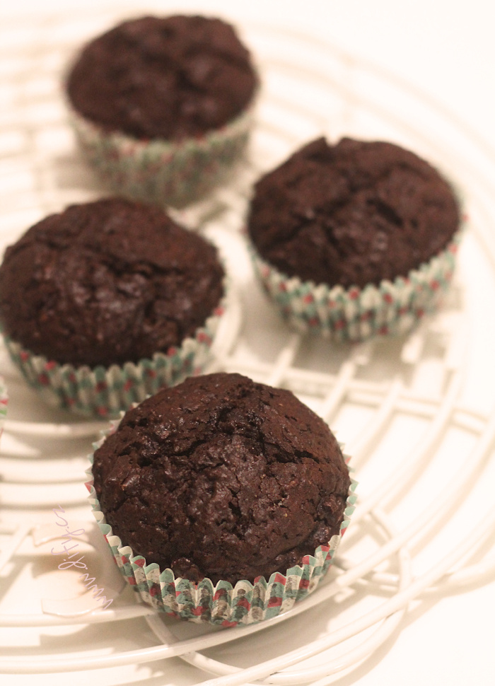 Celozrnné čokoládové muffiny ve stylu brownies