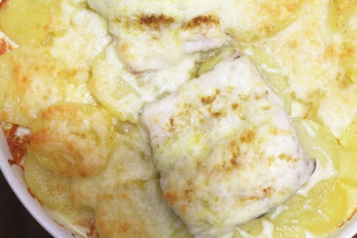 Ryba zapečená se sýrem a kari