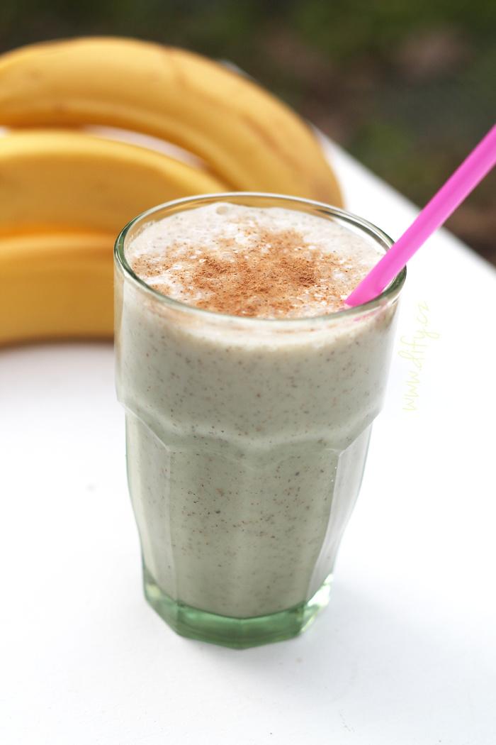Mléčný nabánový shake s chia a lněným semínkem