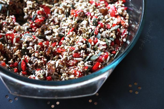 Pohanková granola s jahodou a goji
