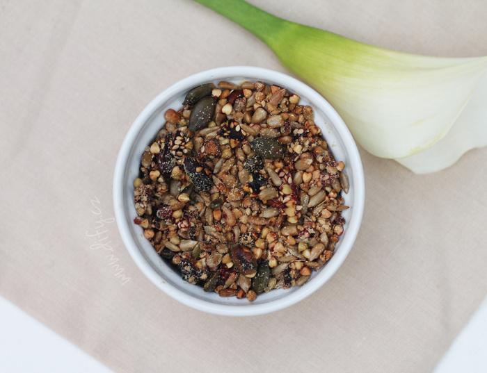 Pohankovásemínková granola s goji a jahodou