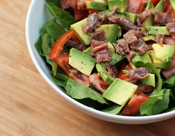 salat-z-rukoly-rajcete-avokada-ancovicek
