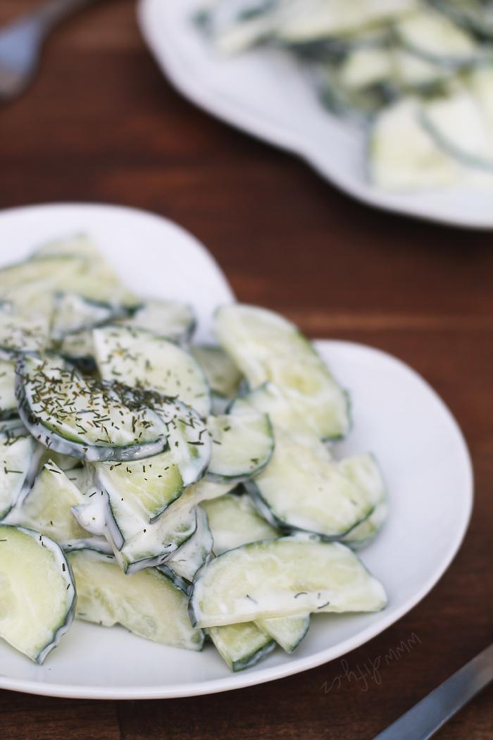 Svěží okurkový tzatziki salát