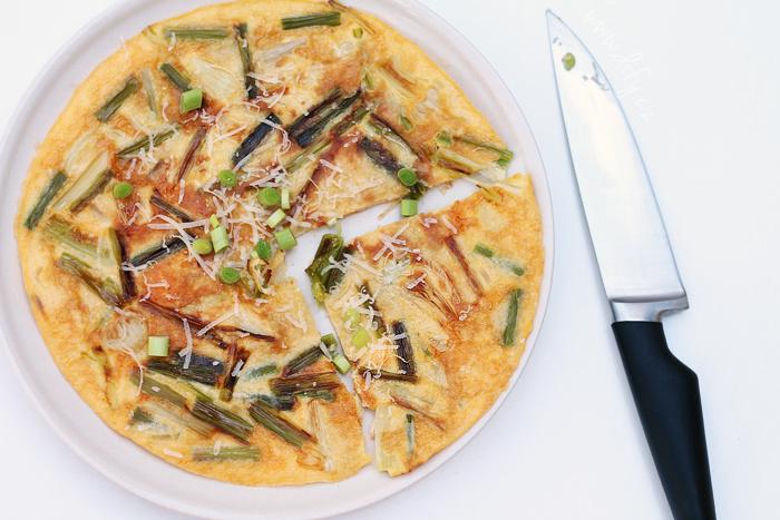 Frittata/tortilla z čerstvého česnečku