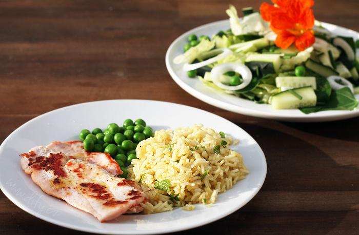 Jednoduchá basmati rýže s kari a petrželkou