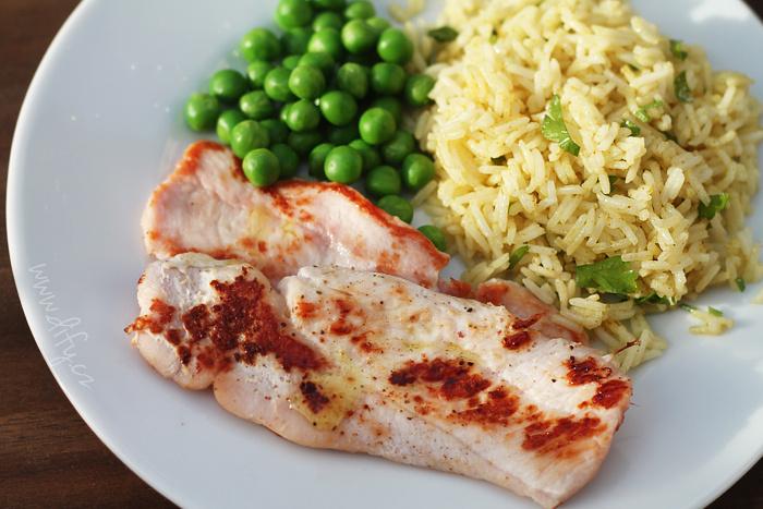 Jednoduchá kari rýže s petrželkou