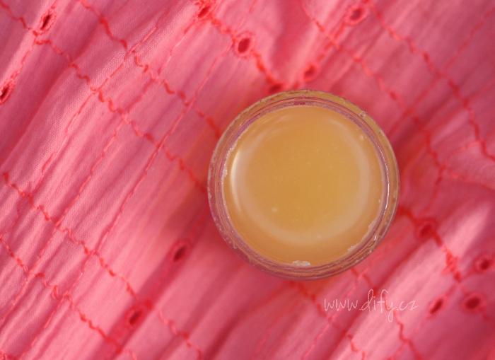 Krém z bambuckého másla, kokosového oleje, s lékořicí a kadidlem
