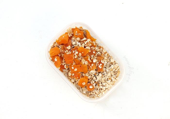 Rychlá vločková směs s meruňkou a semínky