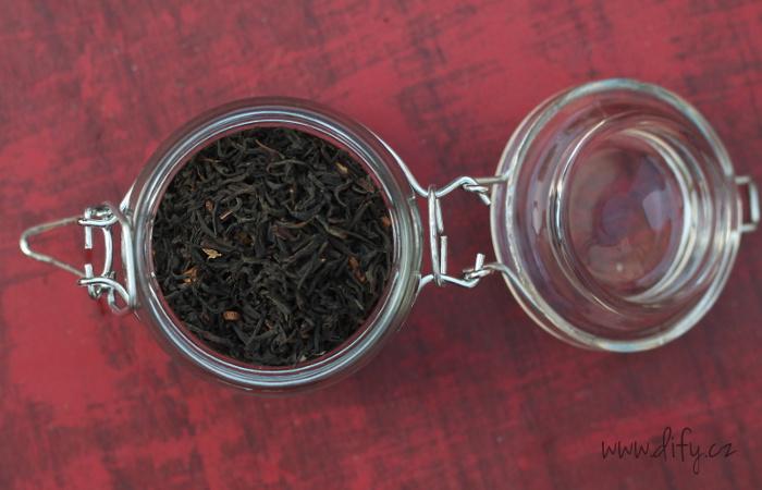 Černý čaj masala