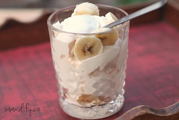 Domácí vanilková zmrzlina s banánem