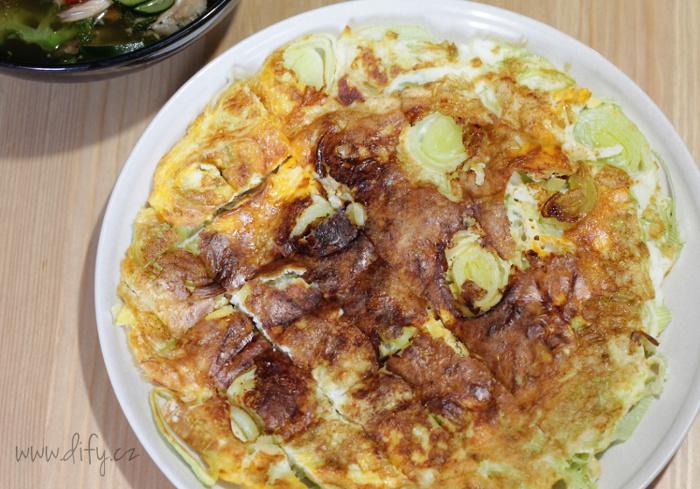 Čerstvá pórková omeleta