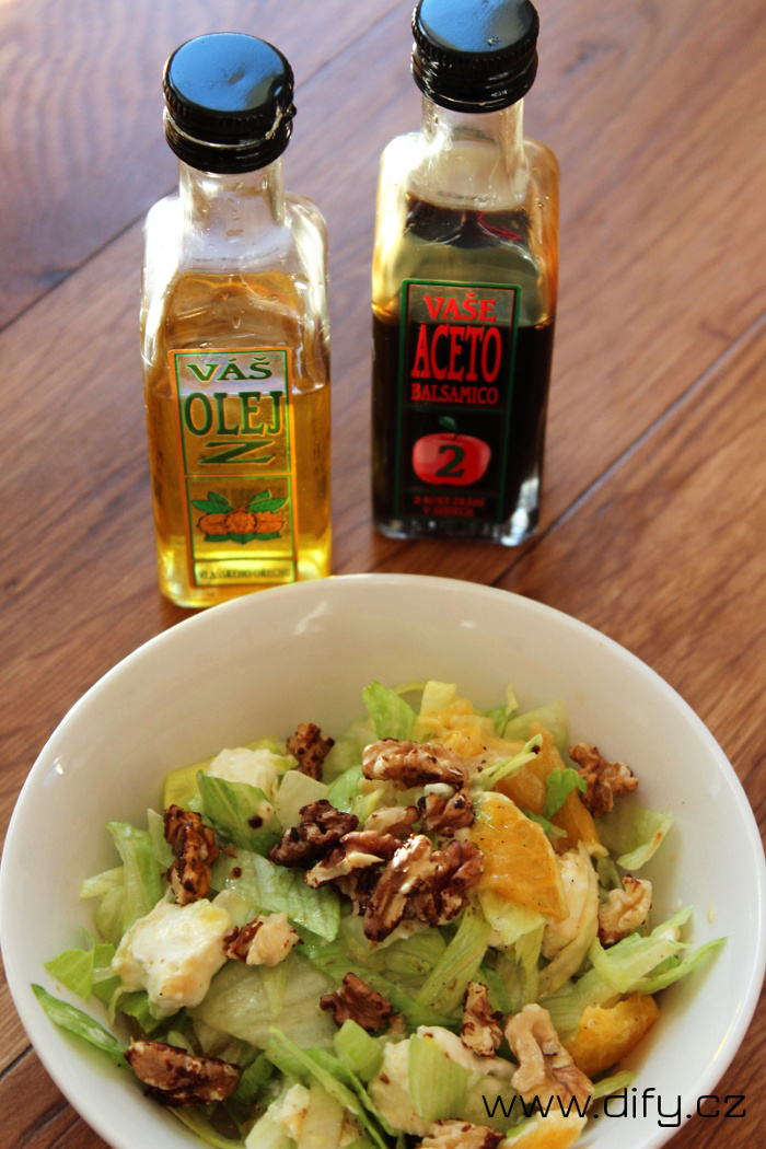 Salát s olejem z vlašských ořechů a Aceto Balzamiko od Bohemia Olej
