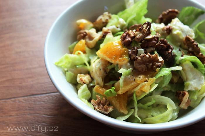 Salát s pomerančem, vlašáky a olejem z vlašských ořechů od Bohemia Olej